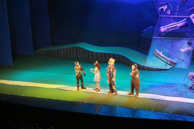 """כ-600 ילדים נפגעים התארחו במחזמר הישראלי המצליח ביותר בכל הזמנים """"הקוסם"""""""