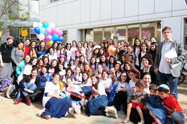 """מאות מתנדבי זק""""א ישראל קיימו שמחת פורים לילדים חולים ונפגעים ברחבי הארץ"""
