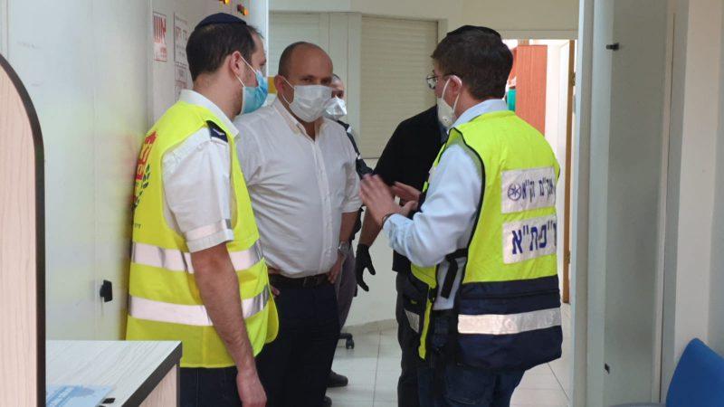 """שר הבטחון נפתלי בנט בפגישה עם הנהלת זק""""א ישראל"""
